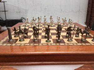 Ajedrez temático en madera fina: Tema Imperio egipcio